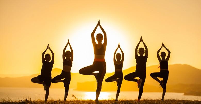 yoga trẻ hóa khuôn mặt